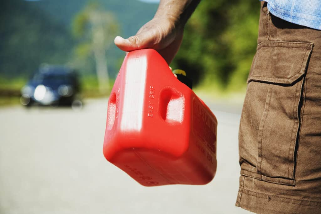 Man holding clean gas container